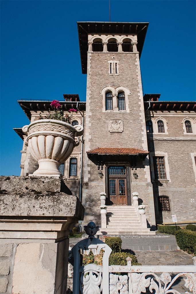 Castelul Cantacuzino din Busteni